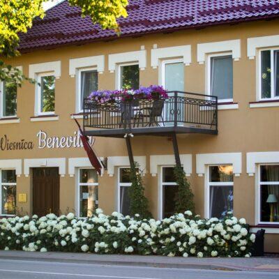 """Viesnīca, kafejnīca """"Benevilla"""""""