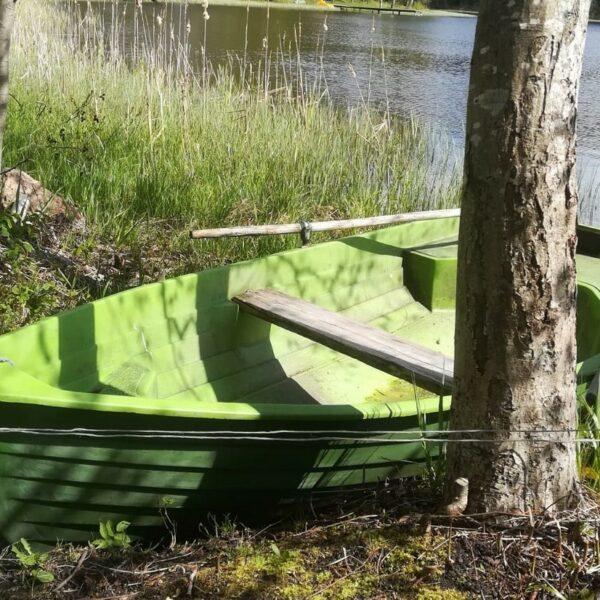 """Brīvdienu māja """"Ezerlīči"""", laiva"""