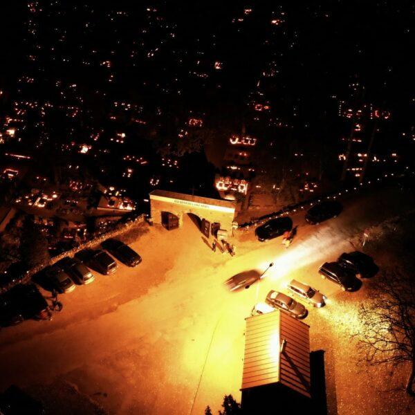 Alūksnes Lielie kapi, svecīšu vakars