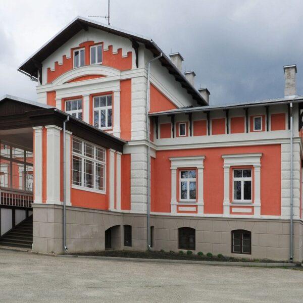 Helēna Palace