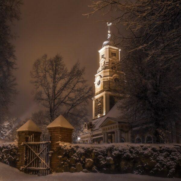 Alūksnes Evaņģēliski luteriskā baznīca, ziema