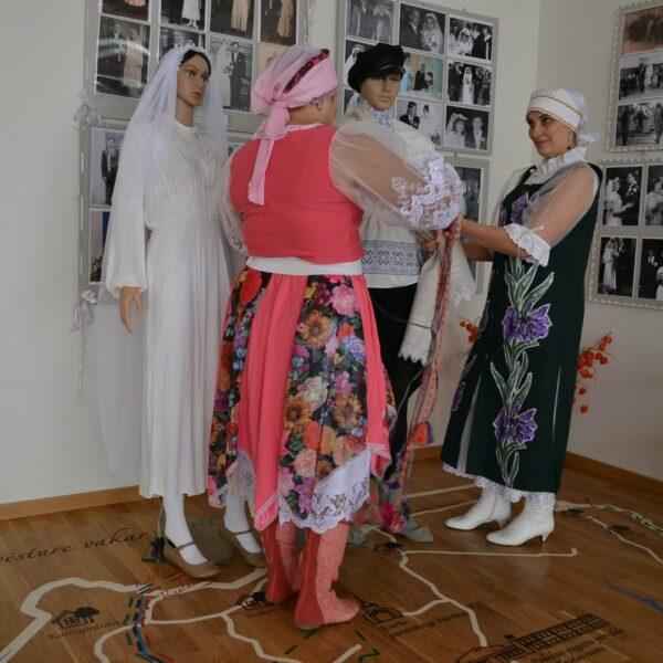 Pededzes tautas nams, ekspozīcija