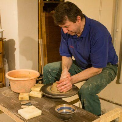 Keramikas amata meistars Uģis Puzulis