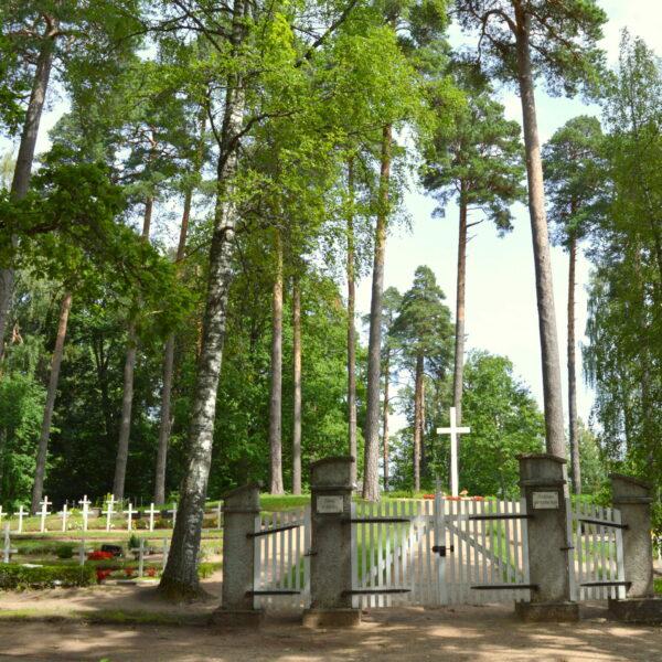 Alūksnes Garnizona kapi