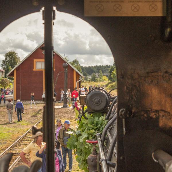 Alūksnes stacija no tvaika lokomotīves