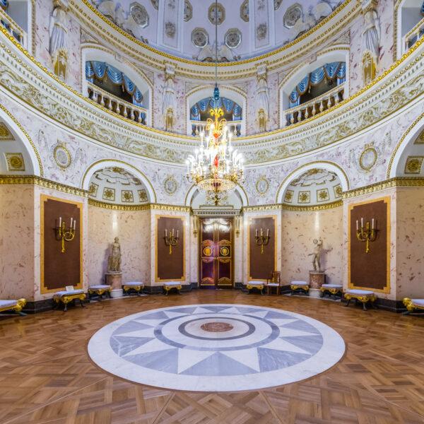 Itāļu zāle Pavlovskas pilī Sanktpēterburgā